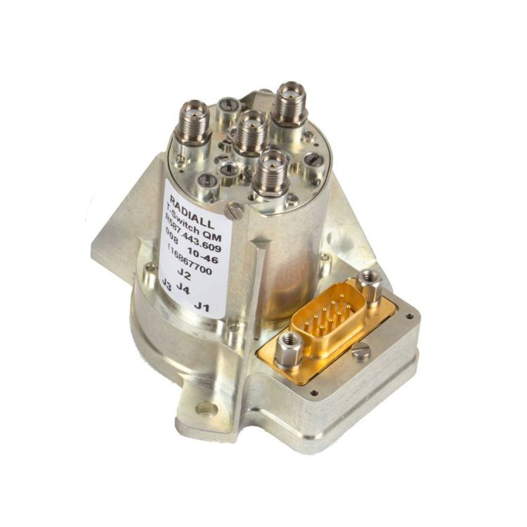 Low power T random space coaxial switch